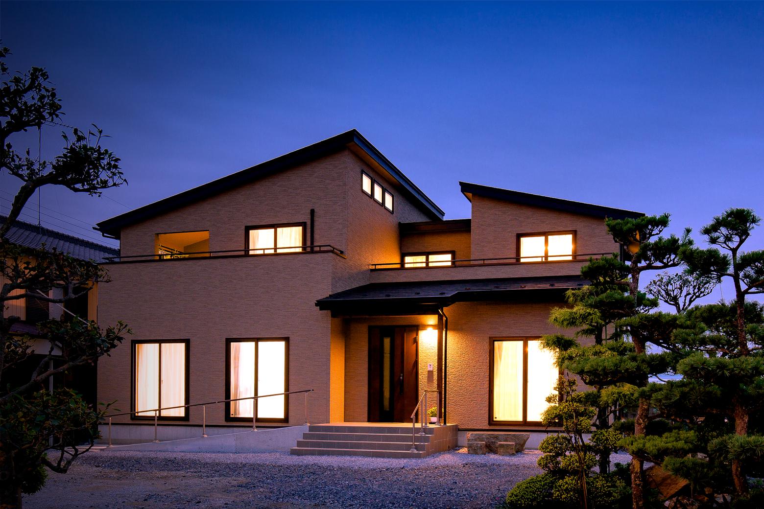 3世帯建築事例画像-2